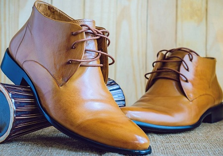 banner giày da